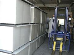 倉庫の大量の商品