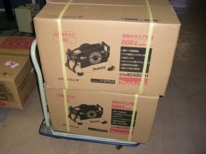 エアーコンプレッサー新製品マキタAC430XH買取りました。