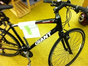 GIANT ESCAPE RX3 入荷