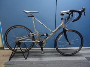 人気の折り畳みロードバイク GIANT MR4 入荷。