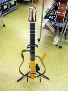 YAMAHAサイレントギター SLG130NW入荷しました~!