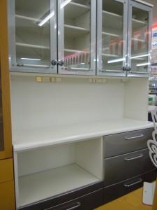 ★収納力バツグン 食器棚入荷しました~\(^o^)/