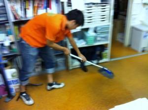 店内清掃♪