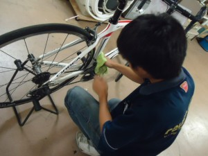 自転車掃除中