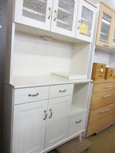 食器棚入荷