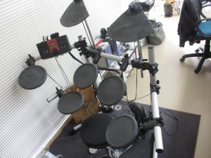 電子ドラム入荷しました。