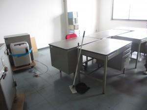高松市にてオフィス家具 引上げ作業