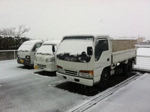 雪の中でも営業中!