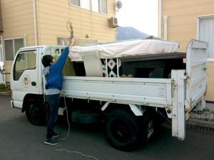 満載の2tトラック