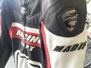 MADIF レーシングスーツ
