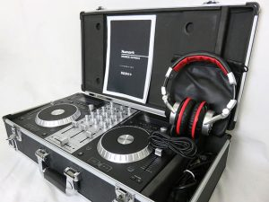 チェケラ!DJコントローラー Numark Mixdeck Express 入荷!