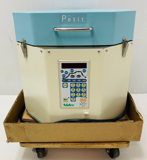 シンプルで使いやすい陶芸用電気窯が入荷しました♪